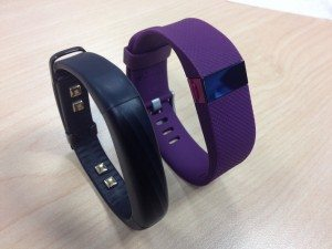 Jawbone UP3 vs Fitbit Charge HR プラム