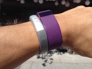Fitbit Charge HR プラム vs Jawbone UP3 シルバー