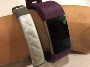 Fitbit Charge 2 vs Jawbone UP3 横から