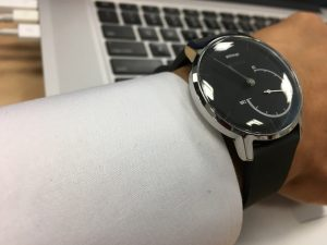 Withings Activite Steel サイドビュー