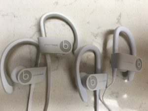 powerbeats3 vs powerbeats2 デザイン
